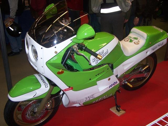 Salon moto l gende la photo the pic for Salon moto nice
