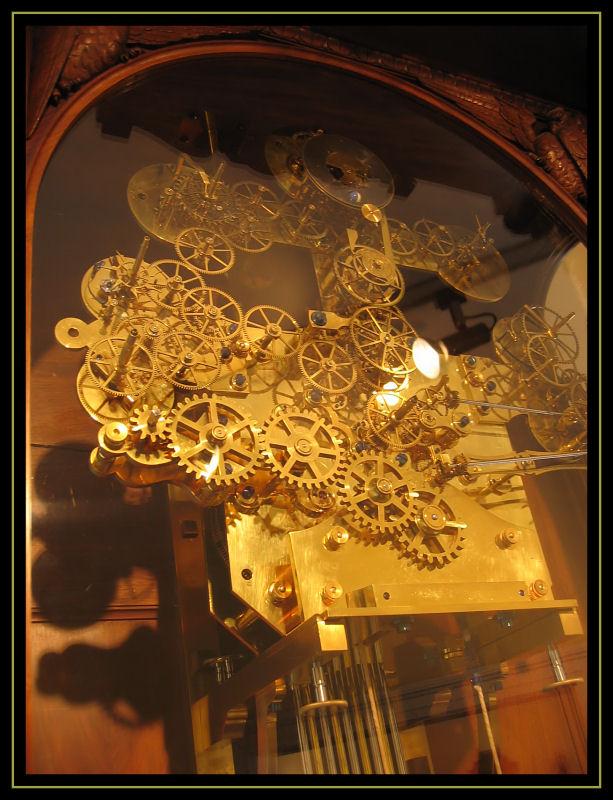 Visite vienne mus e de l 39 horlogerie - Horloge avec mecanisme apparent ...