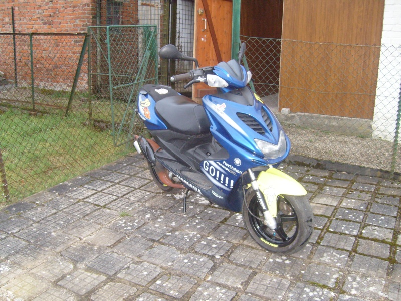 scooter yamaha aerox 50 cm3 vends scooters 50cm3 annonces forum scooters et 125. Black Bedroom Furniture Sets. Home Design Ideas