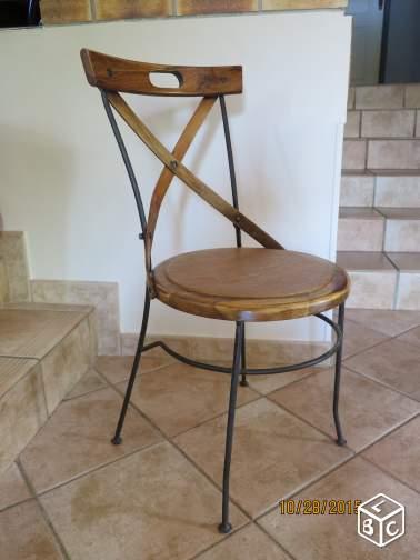 Ensemble 4 chaises et table ronde bois et fer forg 250 e for Ensemble table ronde 4 chaises
