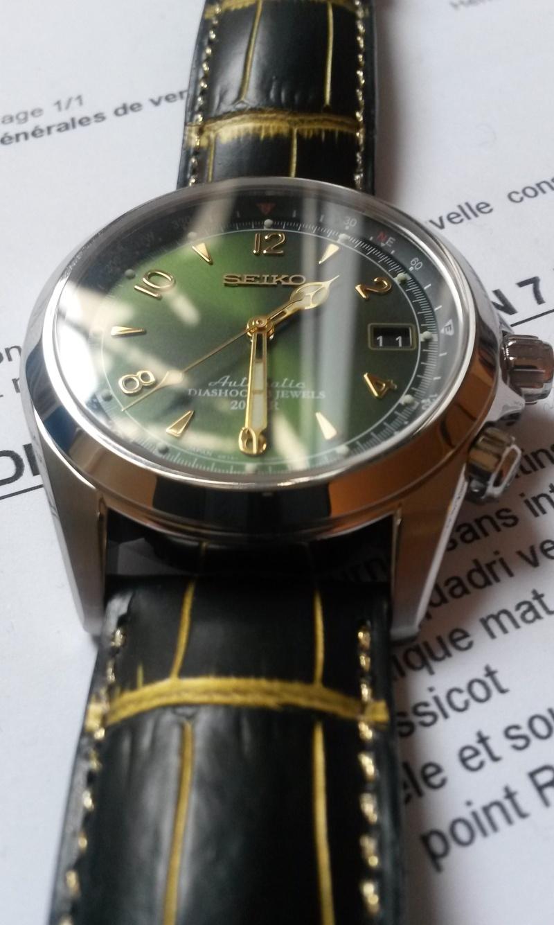 Porno avec une montre verte