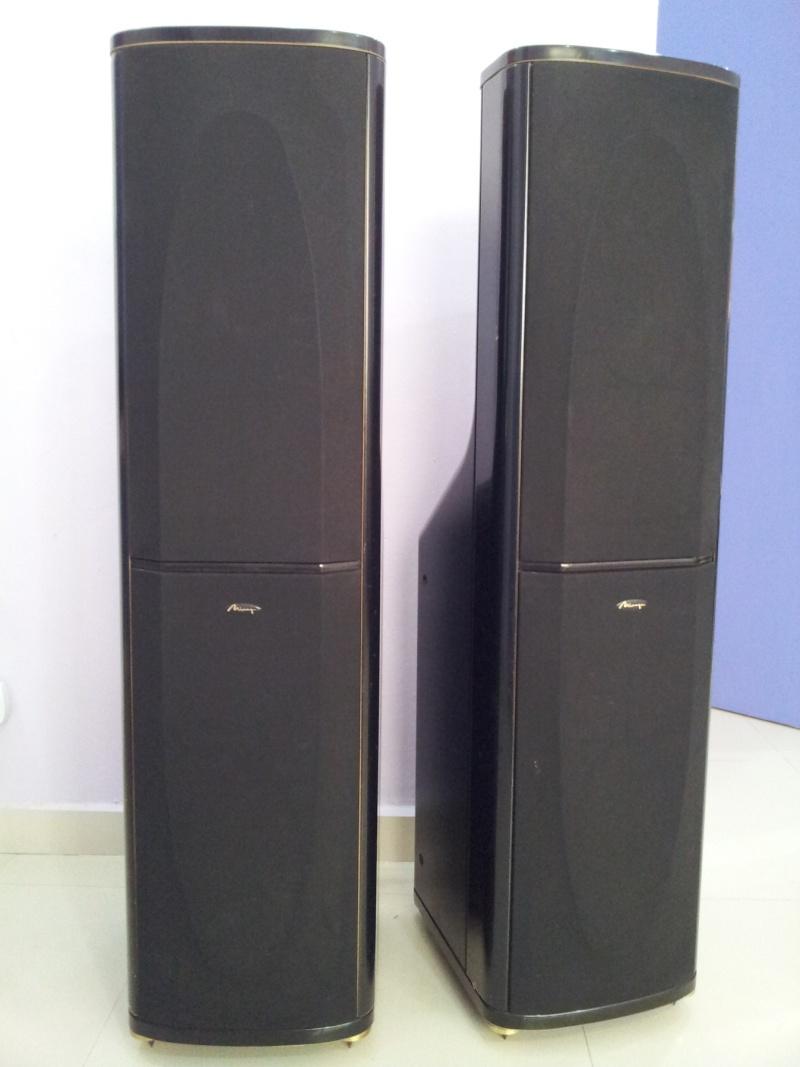 Mirage Omnipolar Loudspeakers Om 7 Floorstanding Speakers