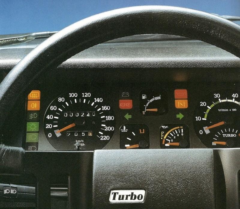 Les 30 ans de la renault 9 turbo for Renault 9 interieur