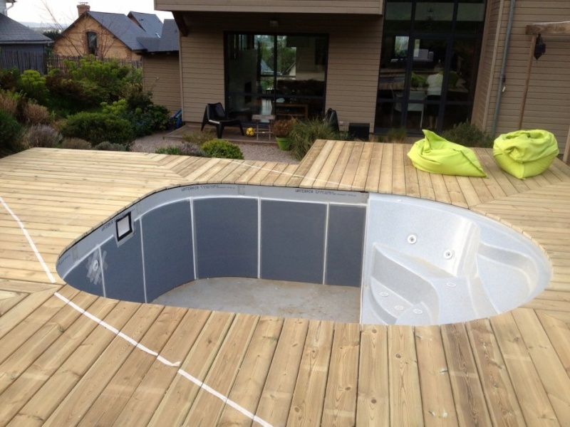 Waterair terrasse bois for Pose margelle bois piscine