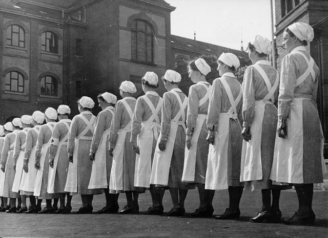 Histoire de l'uniforme infirmier