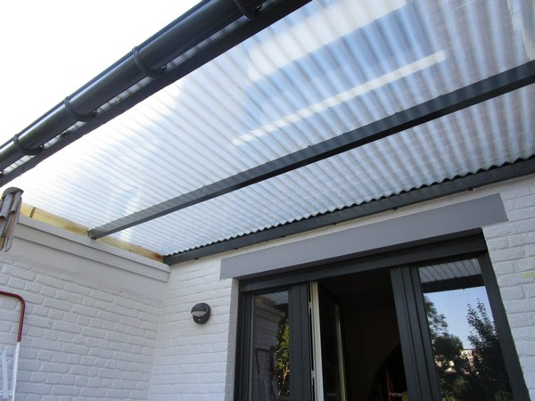 R novation toit de v randa terrasse pvc t le - Pente minimum toiture tole ondulee ...