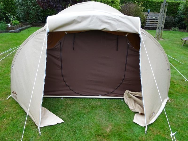 tente quechua gonflable my second home les tentes gonflables quechua tente 4 8 personnes. Black Bedroom Furniture Sets. Home Design Ideas