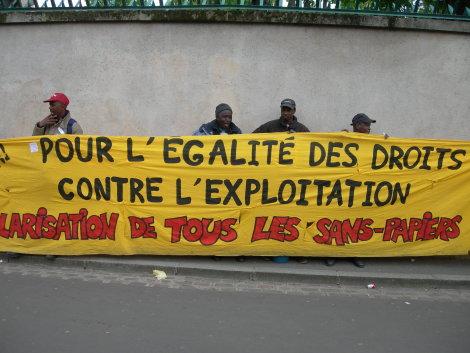 Sans-papiers en lutte lors des grandes grèves en 2011.