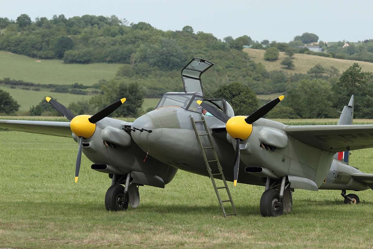 Les Hydravions T23689 15 further El Unico Dehavilland Mosquito Ruso furthermore Dh 60 besides File De Havilland  et pic 1 REJS as well Sujet417292. on dehavilland et crash
