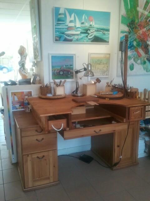 mon nouvel tabli sur bureau et r cup. Black Bedroom Furniture Sets. Home Design Ideas