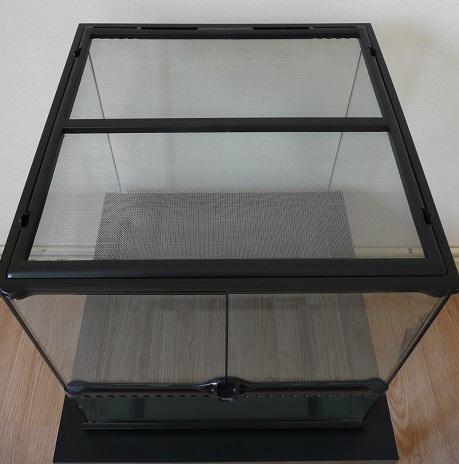 isoler un terrarium en verre. Black Bedroom Furniture Sets. Home Design Ideas