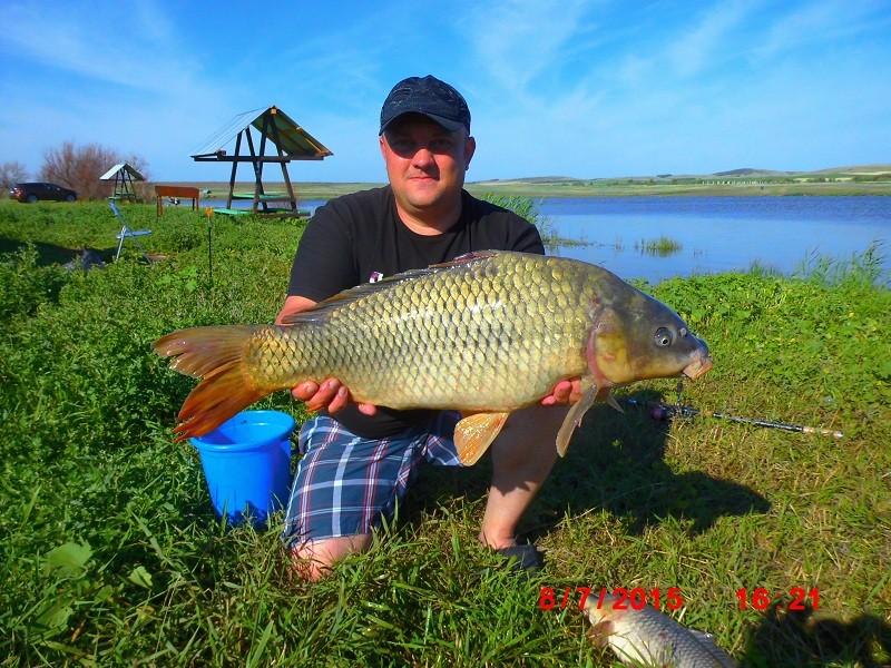 рыболовный озерцо на саратовской