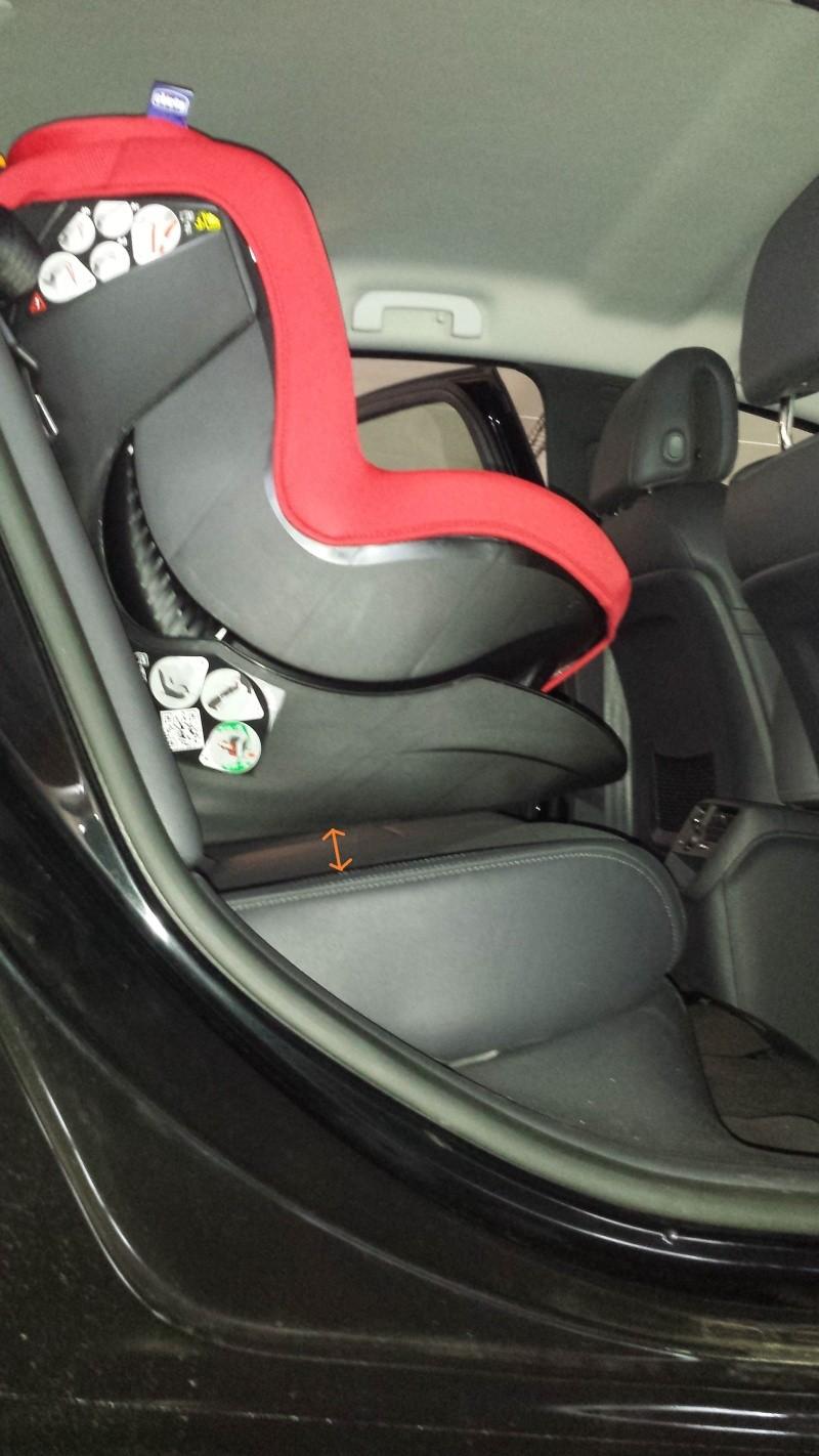 siege auto isofix qui ne touche pas le siege de la voiture. Black Bedroom Furniture Sets. Home Design Ideas